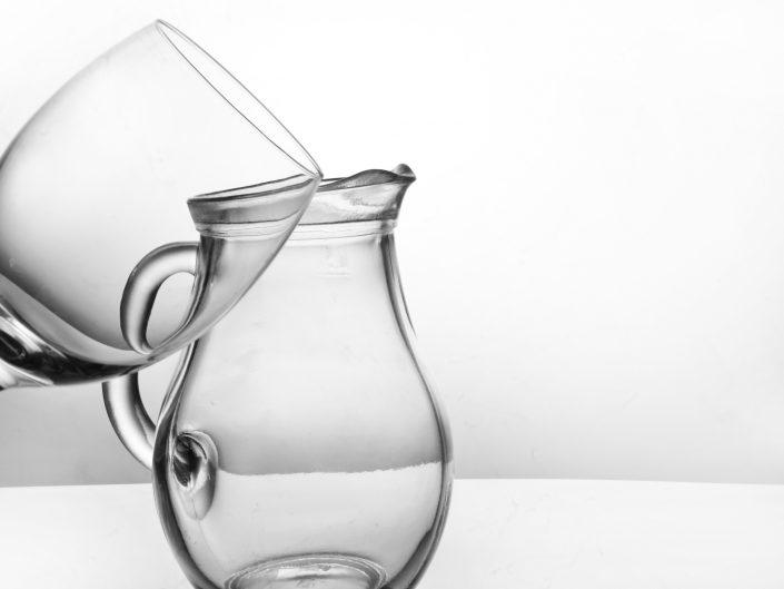 """Wystawa fotograficzna """"Magiczne szkło"""" autorstwa Julii, Nikoli i Magdy"""